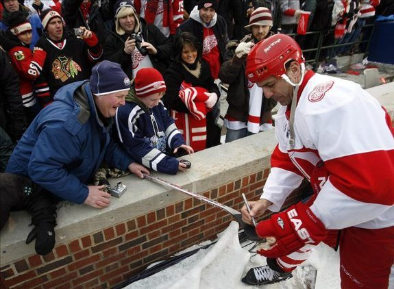 Chris Chelios of the Detroit Red Wings.