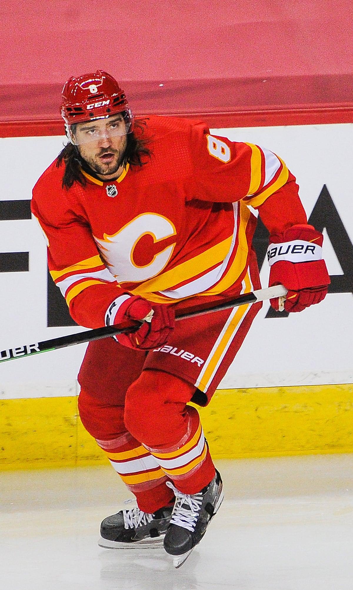 Chris Tanev Calgary Flames