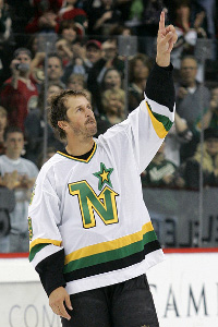Modano waves goodbye as he hops on the train to Motown