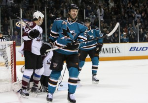 Ryane Clowe : FEB 19 Avalanche at Sharks