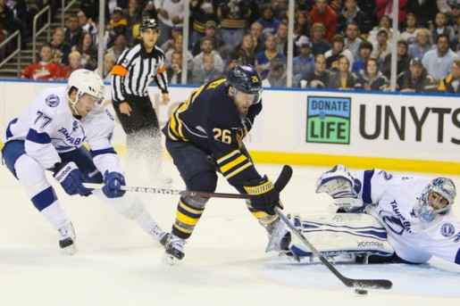 768201110250010_lightning_at_sabres-515x343