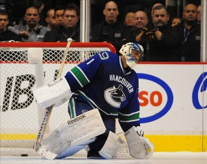 Roberto Luongo traded