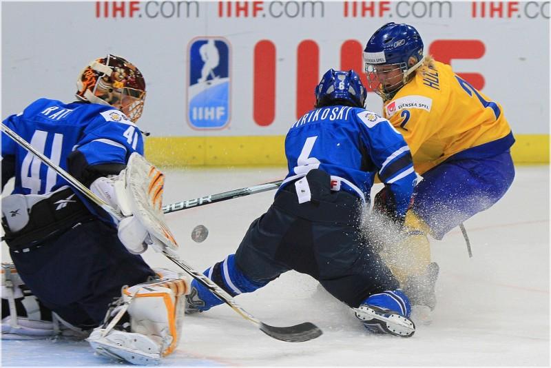 Finland vs. Sweden, 2011 IIHF Women's World Championships (_becaro_/Flickr)