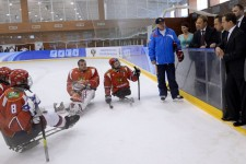 Russia's_ice_sledge_hockey_team_in_practice