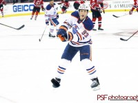 Ryan Nugent-Hopkins during warmups at New Jersey. (Paula Faerman Photography/paulafaermanphotography.org)