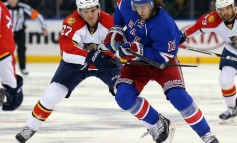 Should the Rangers Keep Kevin Hayes at Center?