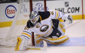 Robin Lehner Injured in Sabres Debut